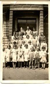 Bass Lake School 1934 teacher Johansen  Evelyn Taylor photo