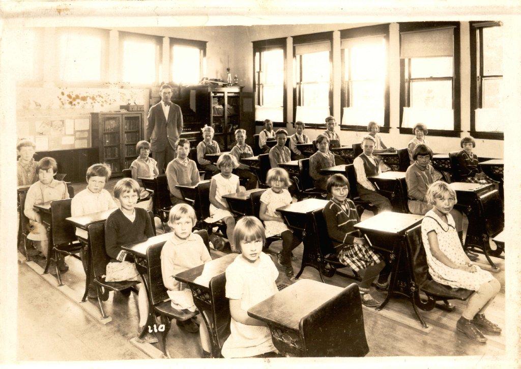 Bass Lake students 1929 Howard Jorgensen Teacher 1